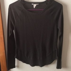 Black long sleeve. FOREVER 21.